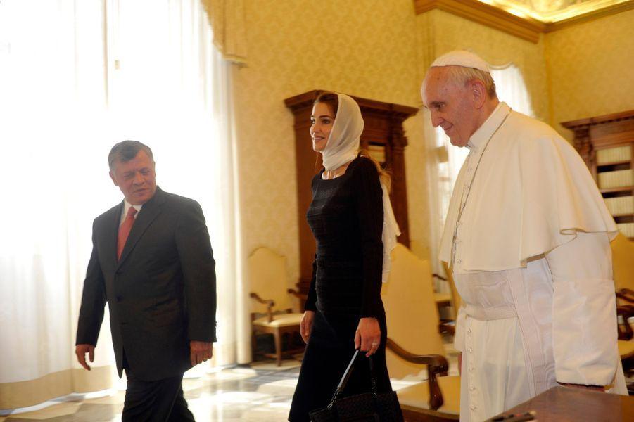 La reine Rania et le roi Abdallah II de Jordanie avec le pape François, le 29 août 2013