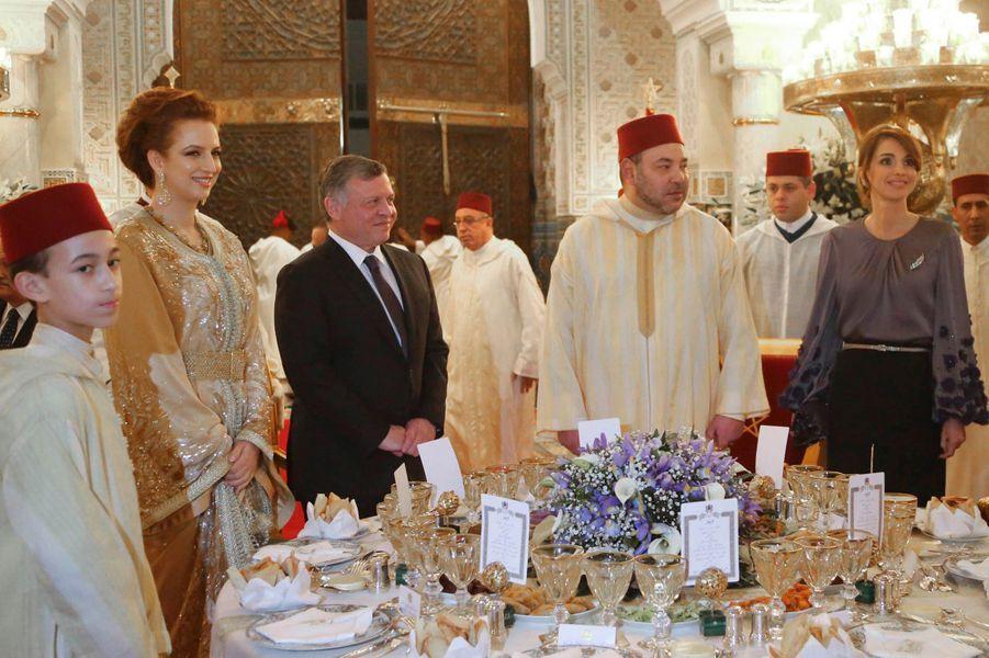La reine Rania et le roi Abdallah II de Jordanie avec la famille royale du Maroc, le 11 mars 2015