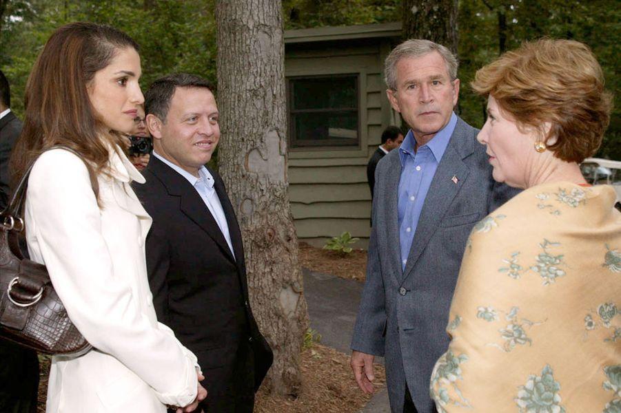 La reine Rania et le roi Abdallah II de Jordanie avec Laura et George W. Bush, le 19 septembre 2003