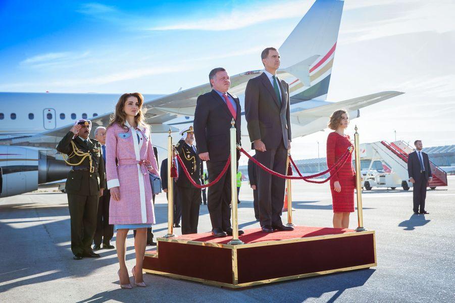 La reine Rania et le roi Abdallah II de Jordanie avec la reine Letizia et le roi Felipe VI d'Espagne, le 19 novembre 2015