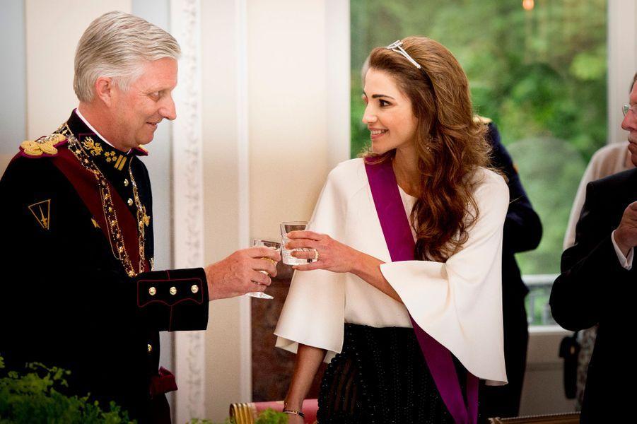 La reine Rania de Jordanie avec le roi des Belges Philippe, le 18 mai 2016