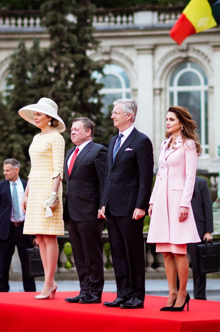 La reine Rania et le roi Abdallah II de Jordanie avec la reine Mathilde et le roi des Belges Philippe, le 18 mai 2016