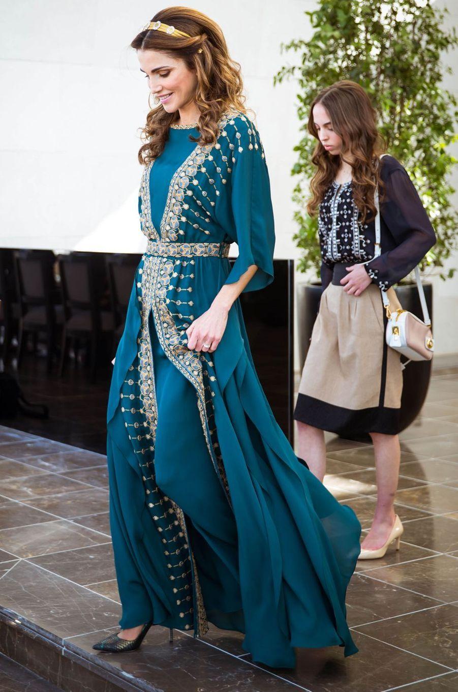 La reine Rania de Jordanie avec la princesse Salma à Amman, le 2 juin 2016