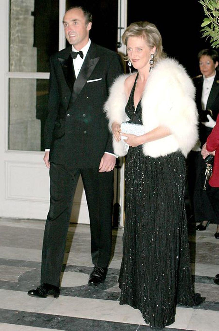 La princesse Astrid de Belgique avec le prince Lorentz au château de Versailles, le 4 décembre 2006