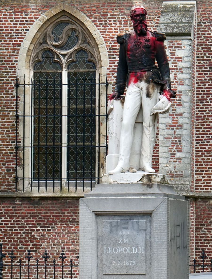 La statue du roi des Belges Léopold II à Ekeren (Anvers) vandalisée, le 4 juin 2020