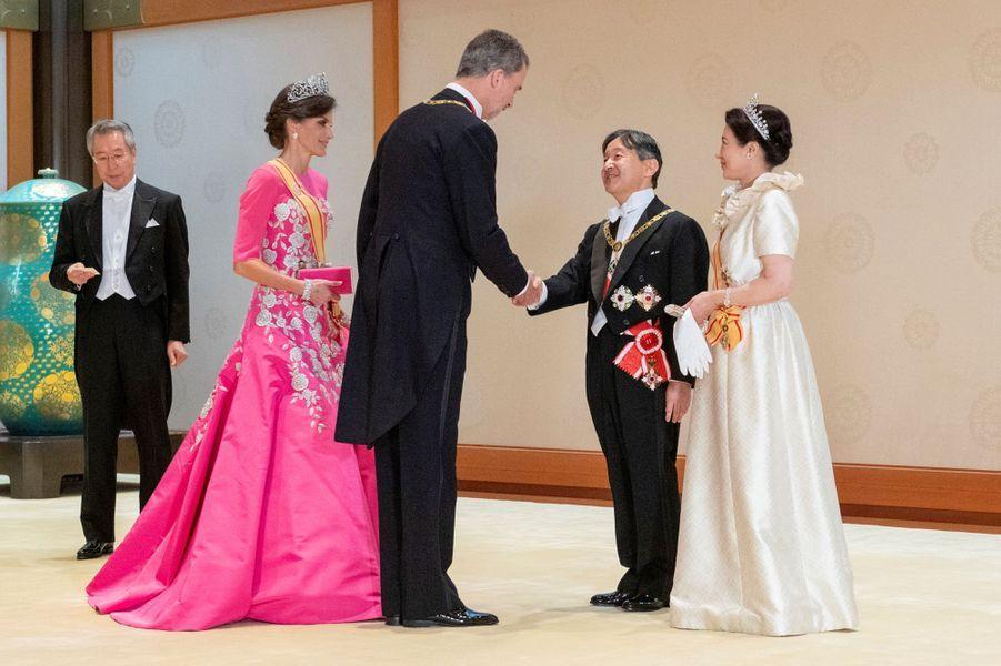 La reine Letizia et le roi Felipe VI d'Espagne avec l'impératrice Masako et l'empereur Naruhito du Japon à Tokyo, le 22 octobre 2019