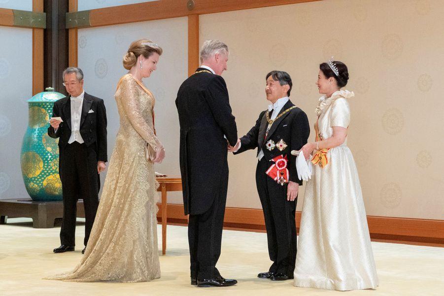 La reine Mathilde et le roi des Belges Philippe avec l'impératrice Masako et l'empereur Naruhito du Japon à Tokyo, le 22 octobre 2019