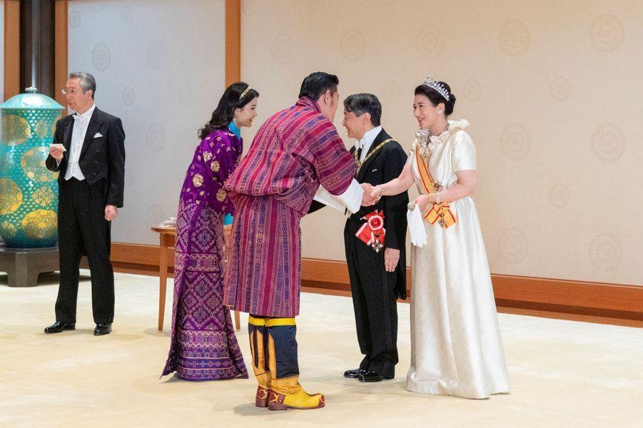 La reine et le roi du Bhoutan avec l'impératrice Masako et l'empereur Naruhito du Japon à Tokyo, le 22 octobre 2019