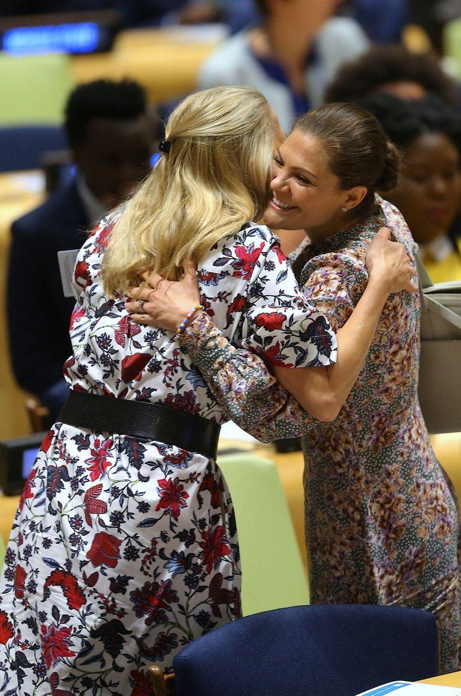 Les princesses Mabel des Pays-Bas et Victoria de Suède à New York, le 24 septembre 2018