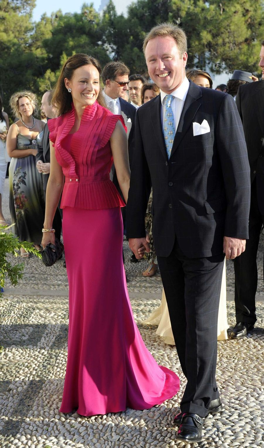 Le prince Gustav zu Sayn-Wittgenstein-Berleburg, cousin germain du marié, et sa compagne Carina Axelsson sur l'île de Spetses, le 25 août 2010