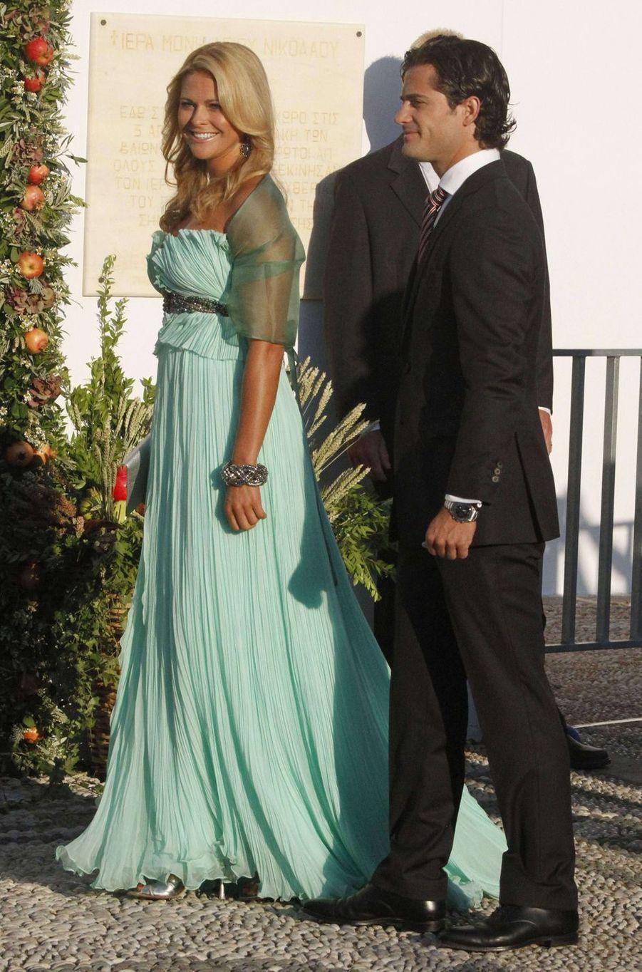La princesse Madeleine et le prince Carl Philip de Suède sur l'île de Spetses, le 25 août 2010