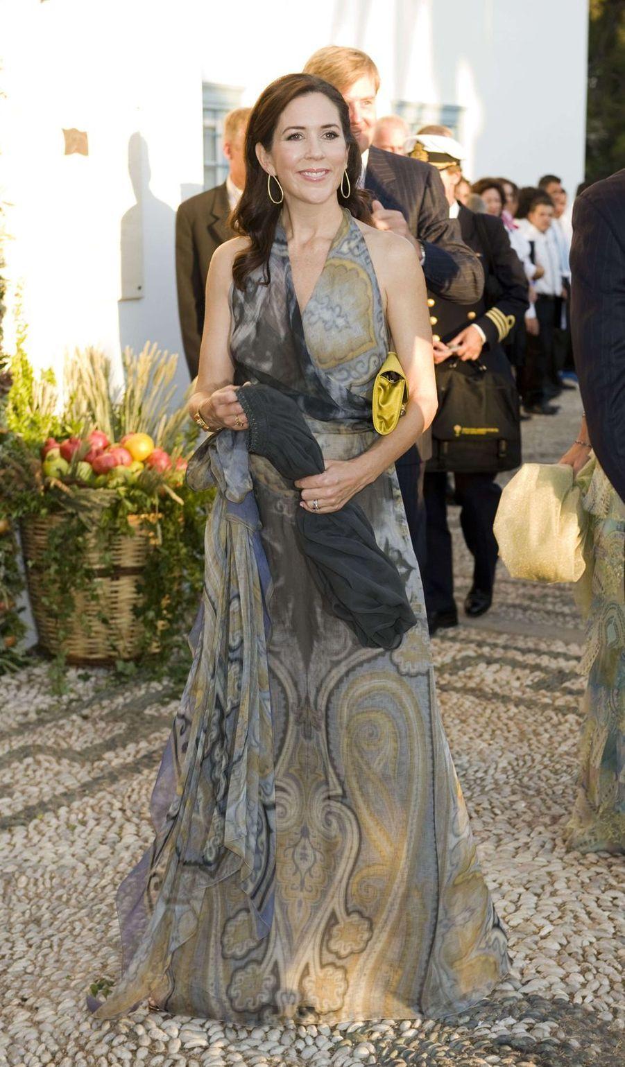 La princesse Mary de Danemark sur l'île de Spetses, le 25 août 2010