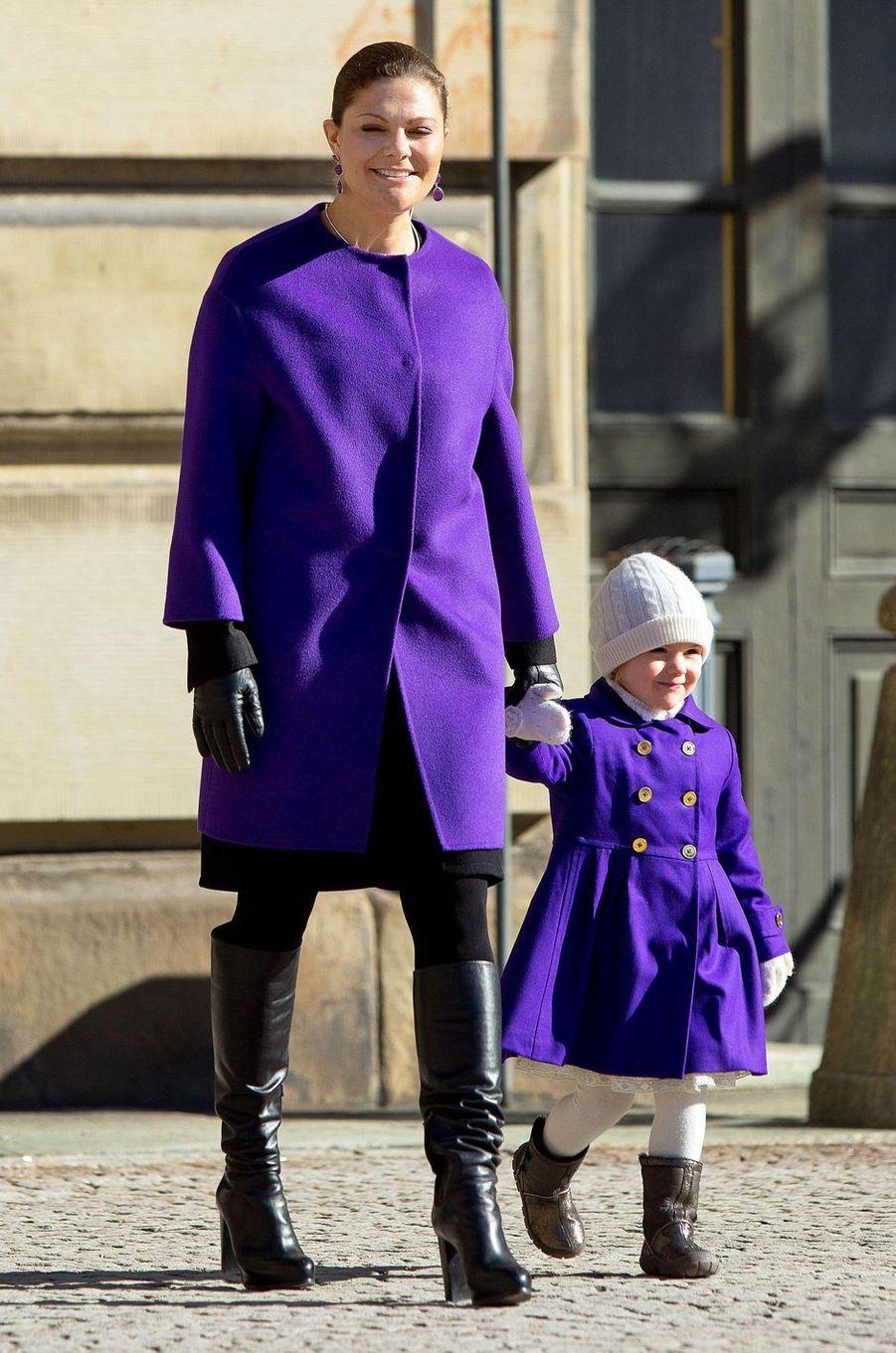 La princesse héritière Victoria de Suède et sa fille la princesse Estelle, le 12 mars 2015