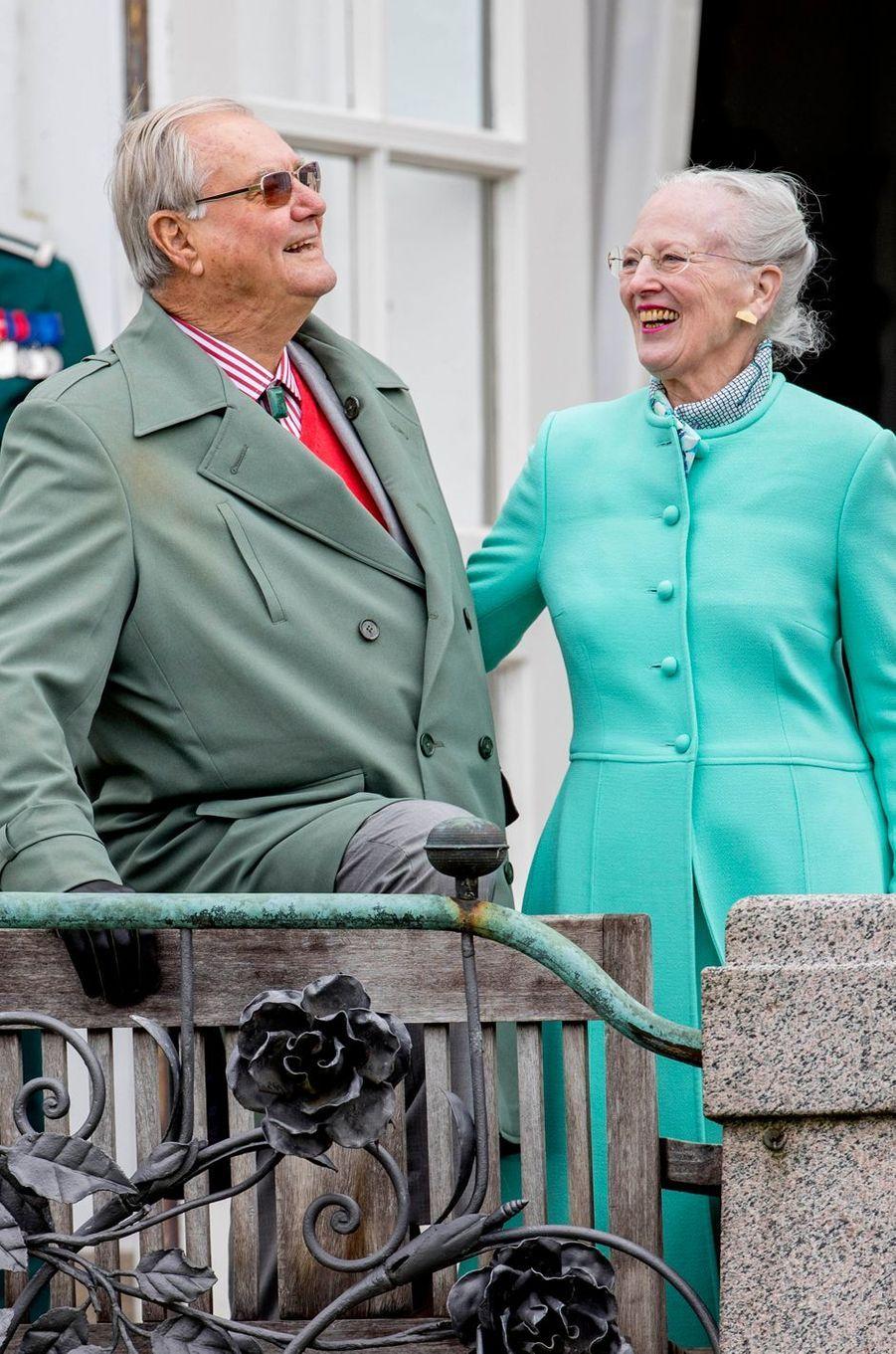 La reine Margrethe II de Danemark et le prince consort Henrik le 16 avril 2017
