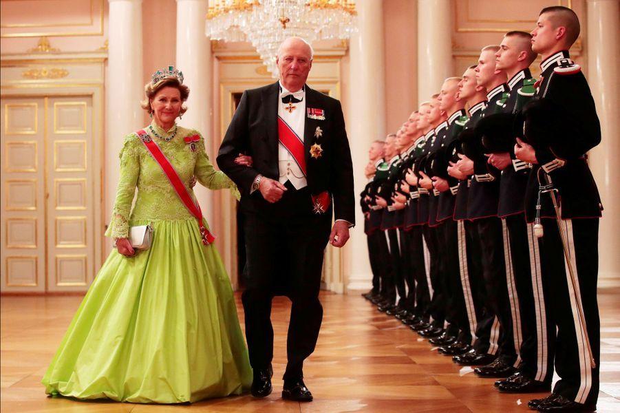 La reine Sonja et le roi Harald V de Norvège le 9 mai 2017