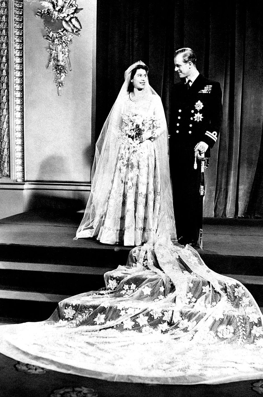 La princesse Elizabeth d'Angleterre épouse le prince Philip de Grèce et de Danemark le 20 novembre 1947