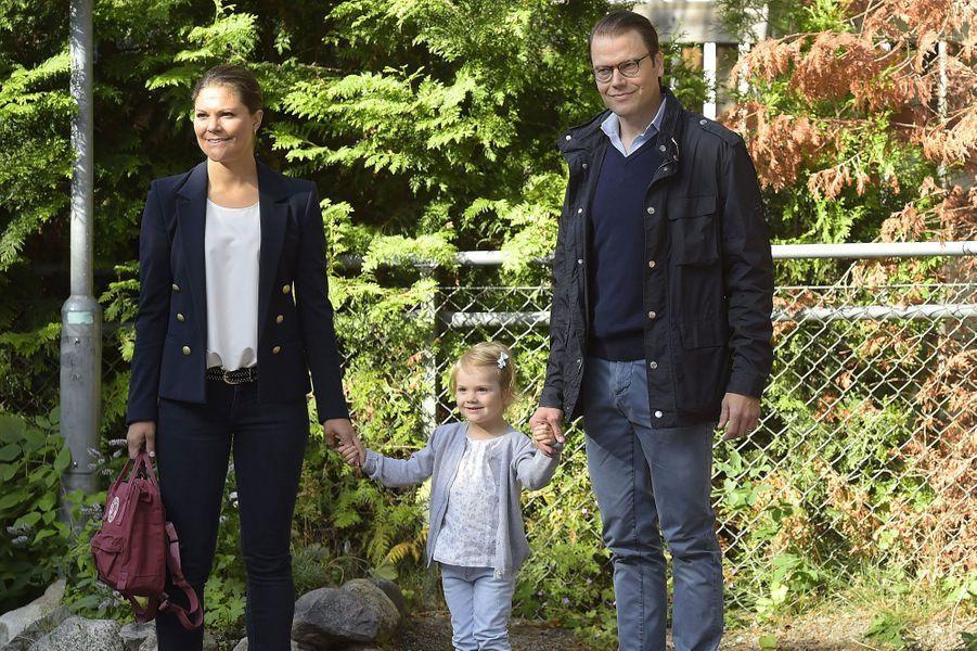Estelle de Suède entre à l'école