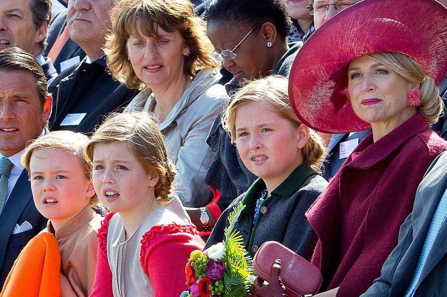 La reine Maxima et les princesses Catharina-Amalia, Alexia et Ariane (de droite à gauche), le 27 avril 2015