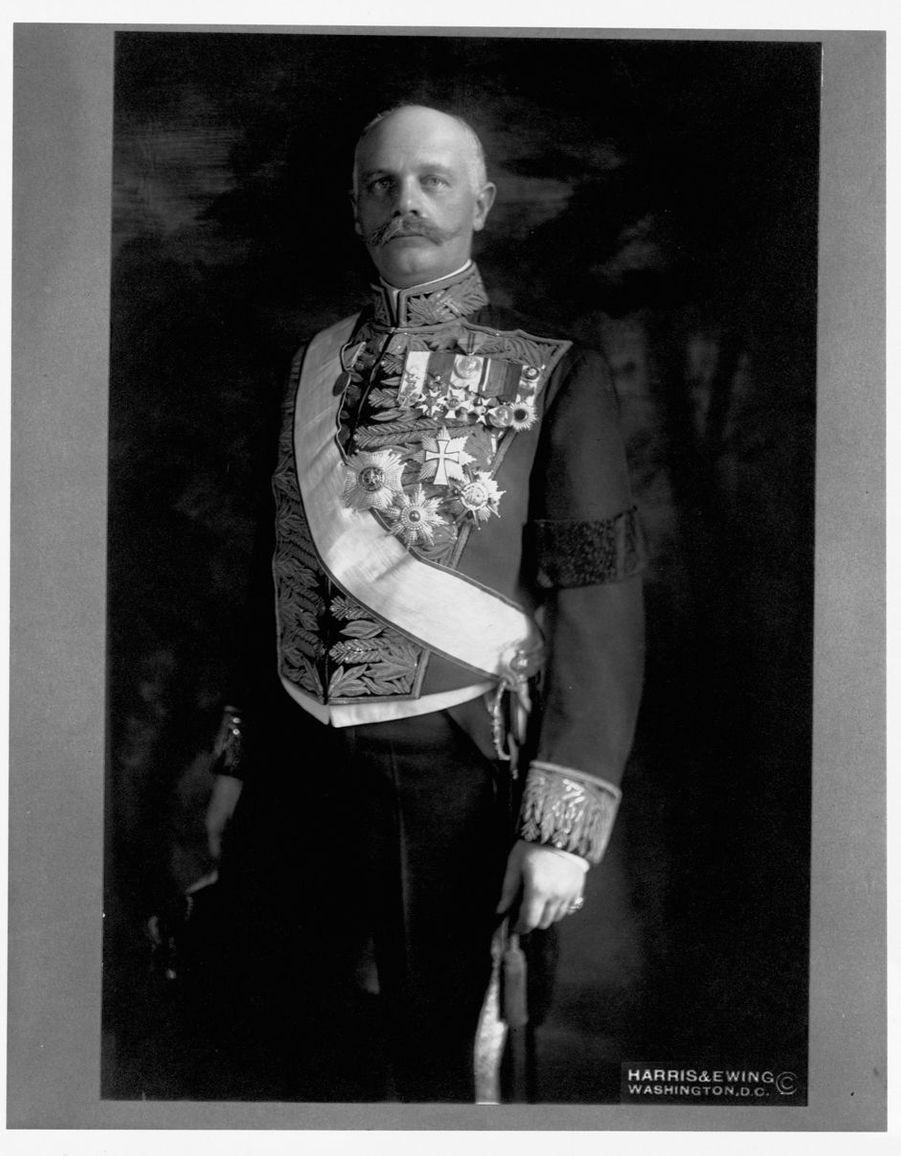 Le roi des Hellènes Constantin Ier (ici vers 19020) régna de 1913 à 1917 et de 1920 à 1922