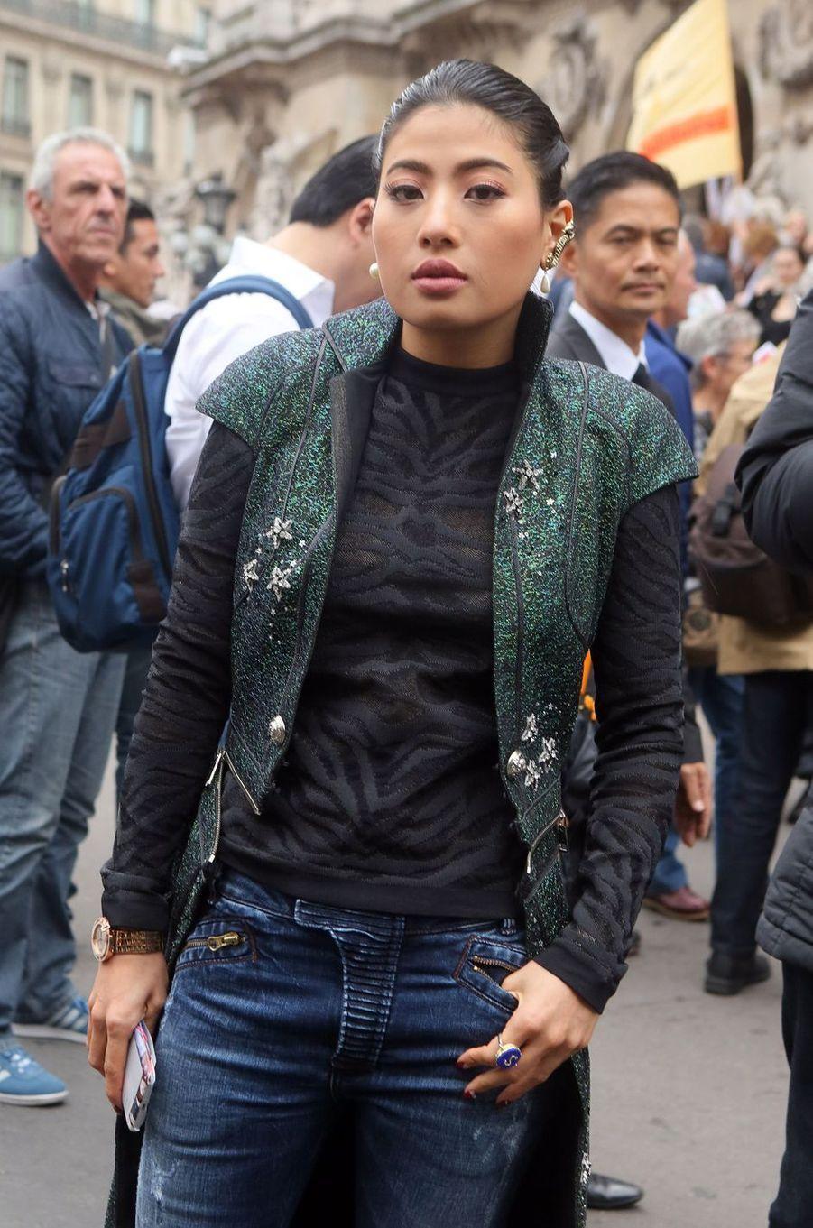 La princesse Sirivannavari Nariratana de Thaïlande au défilé Balmain, à Paris le 28 septembre 2017