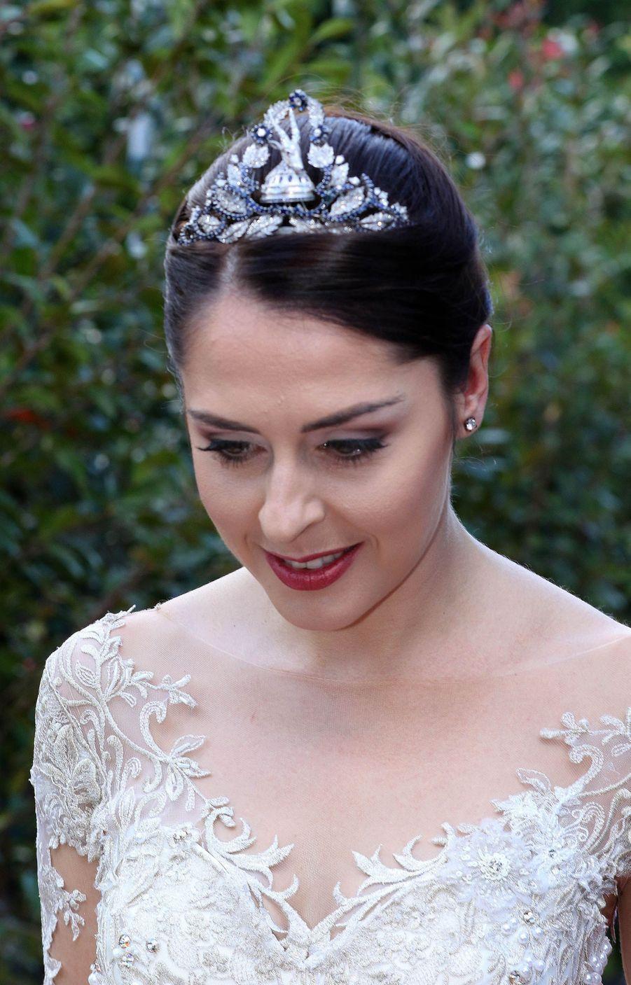 Elia Zaharia coiffée du diadème de la reine Géraldine d'Albanie pour son mariage à Tirana, le 8 octobre 2016