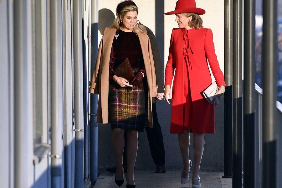 Les reines Maxima des Pays-Bas et Mathilde de Belgique à La Haye, le 29 novembre 2016