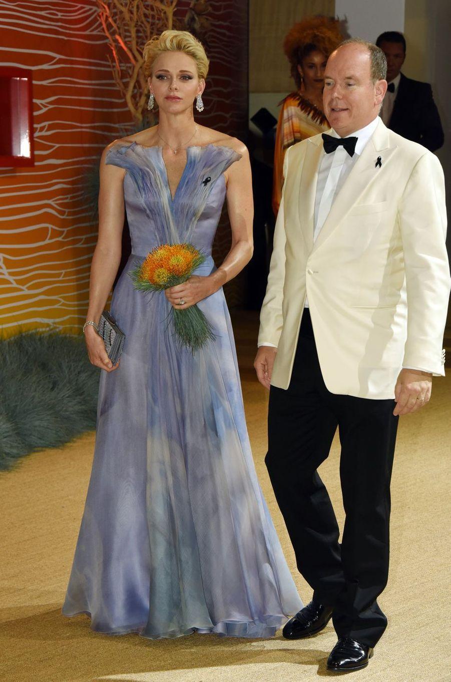 La princesse Charlène de Monaco en Giorgio Armani Privé, le 23 juillet 2016