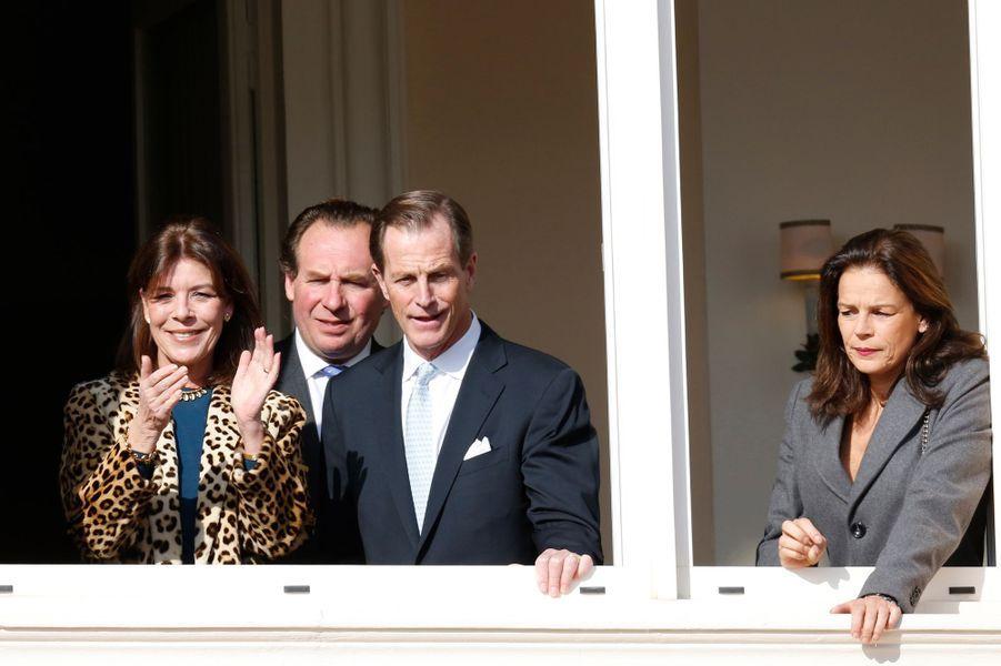 La princesse Caroline de Hanovre, avec sa soeur la princesse Stéphanie de Monaco et leur cousin Christopher Levine, le 7 janvier 2015