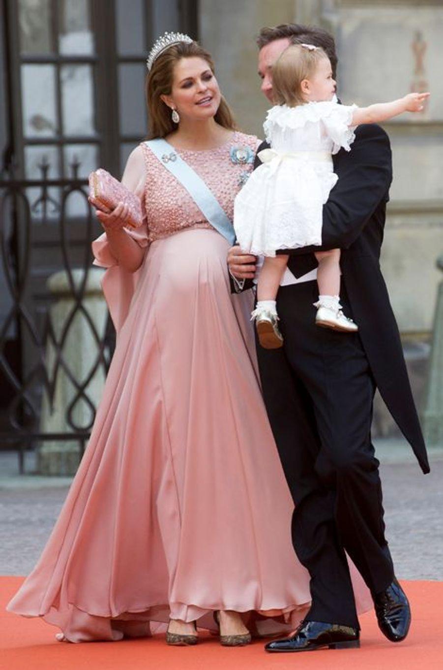 La princesse Madeleine de Suède avec son mari Christophe O'Neil et leur fille Leonore à Stockholm, le 13 juin 2015