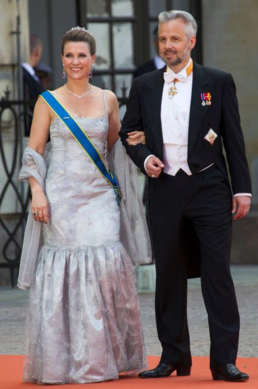 La princesse Martha-Louise de Norvège, avec son mari Ari Behn, à Stockholm le 13 juin 2015