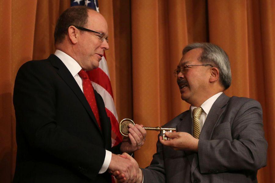 ... a reçu la clé de la ville de San Francisco, des mains de son maire Ed Lee, lundi.