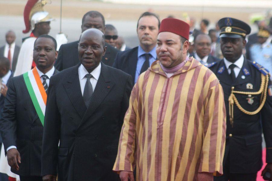 ... est en visite pour quatre jours en Cote d'Ivoire. Le roi du Maroc a été accueilli par le premier ministre Daniel Kablan Dunkan.