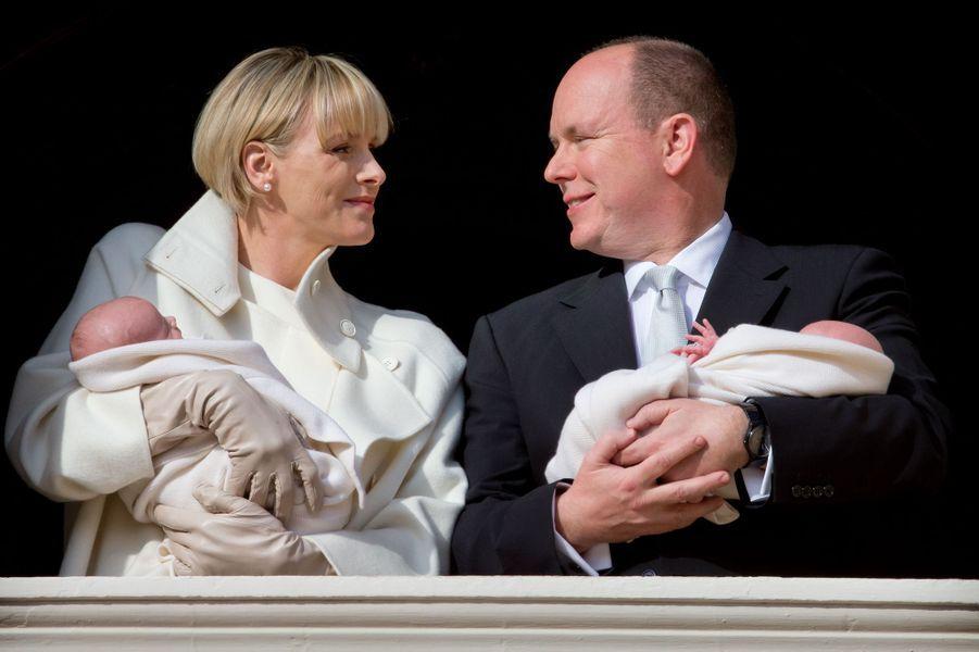 Charlène et Albert avec leurs bébés Gabriella et Jacques, le 7 janvier 2015