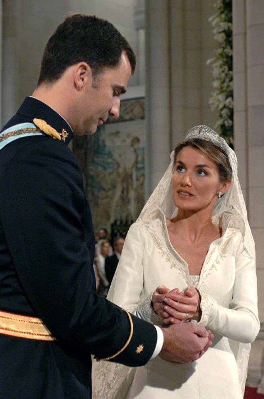 Letizia épouse le prince Felipe d'Espagne le 22 mai 2004