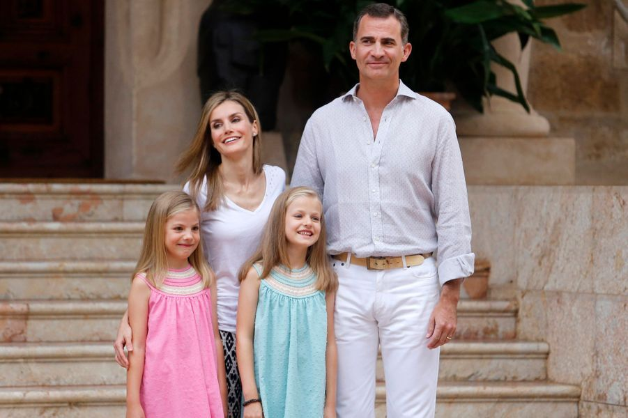 Letizia et Felipe avec leurs filles Leonor et Sofia, le 2 août 2014