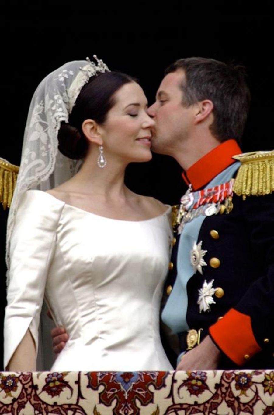 Mary épouse le prince Frederik de Danemark le 14 mai 2004