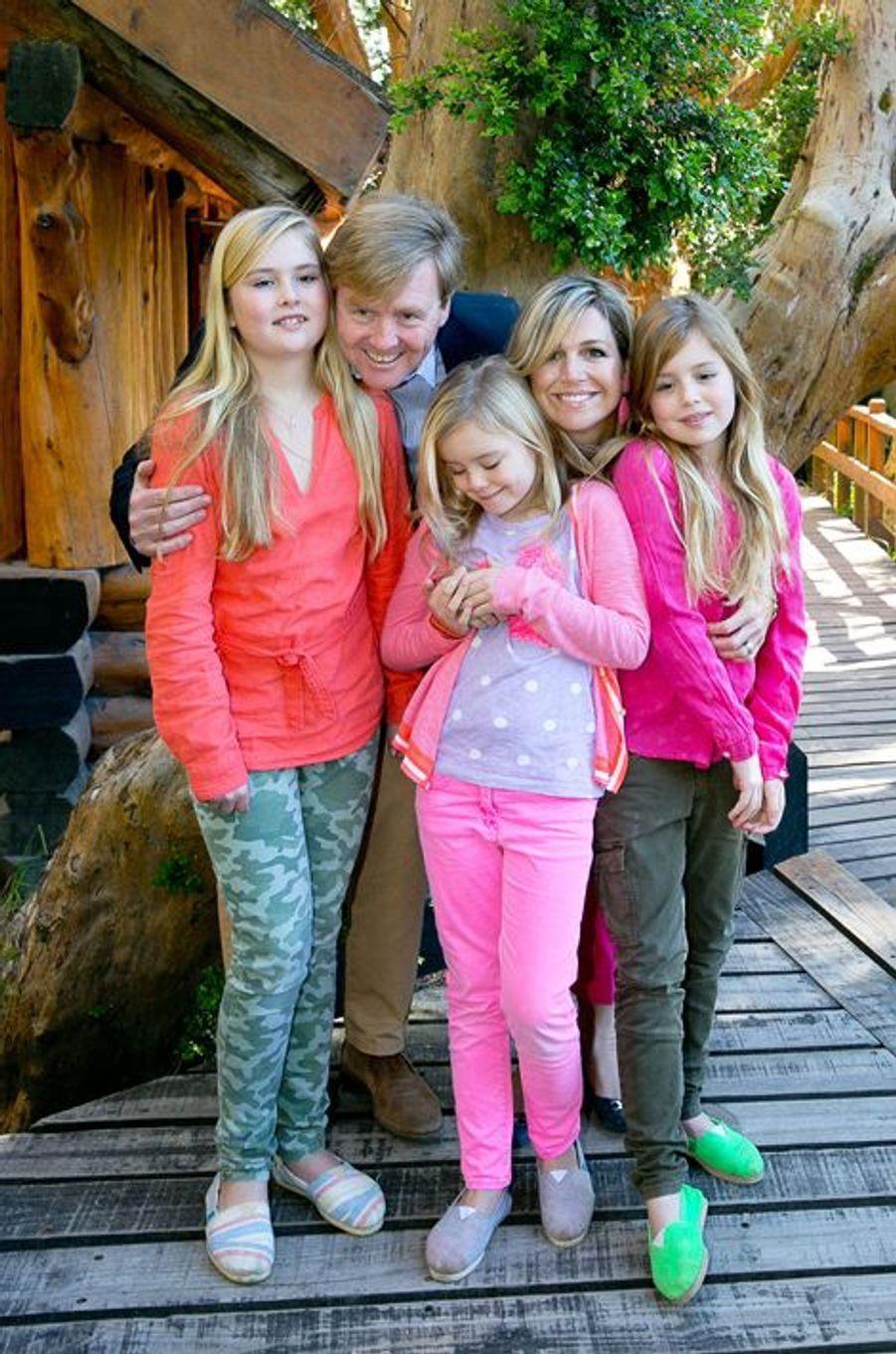 Maxima et Willem-Alexander avec leurs filles Catharina-Amalia, Alexia et Ariane, le 22 décembre 2014