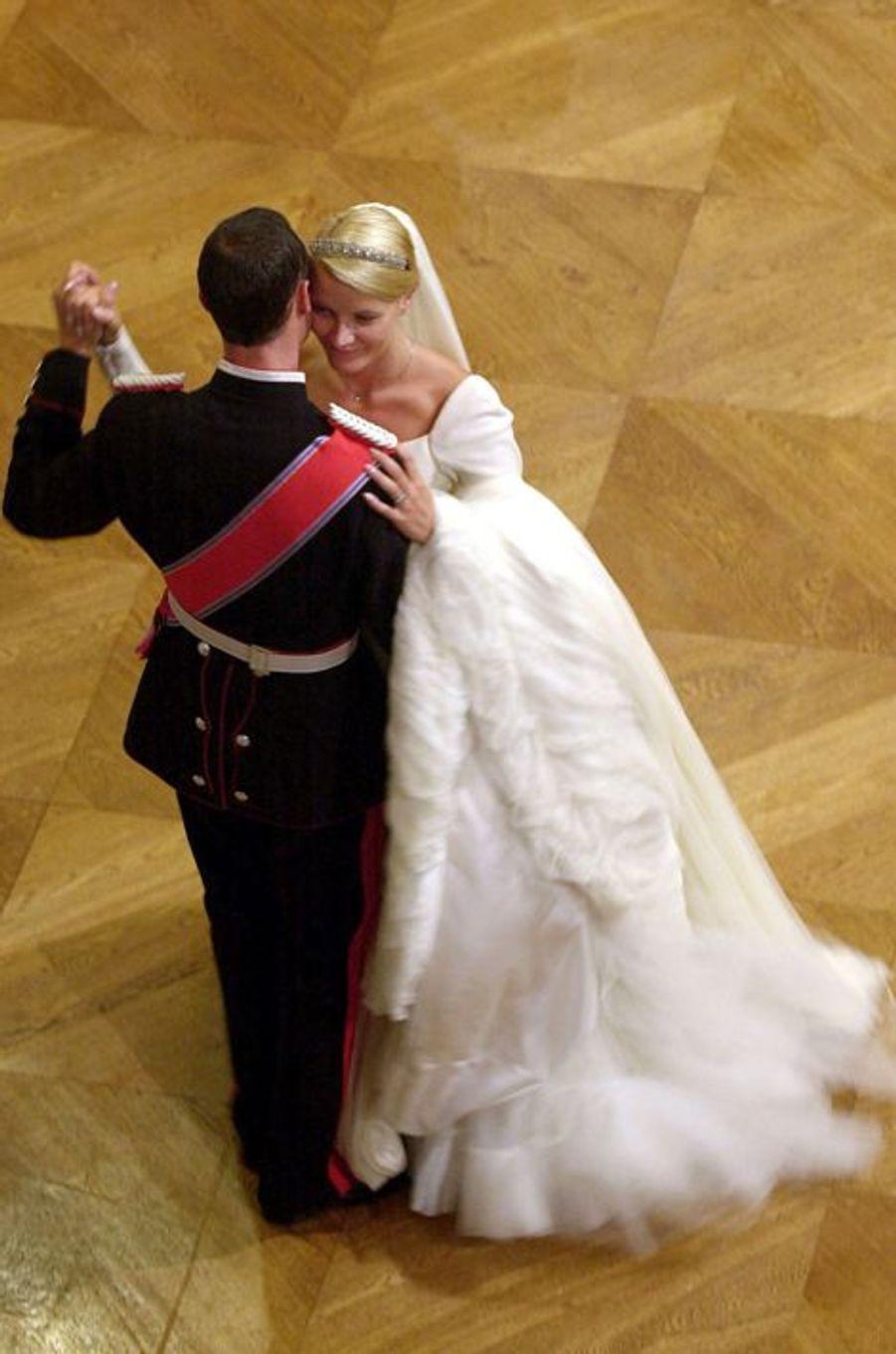 Mette-Marit épouse le prince Haakon de Norvège le 25 août 2001