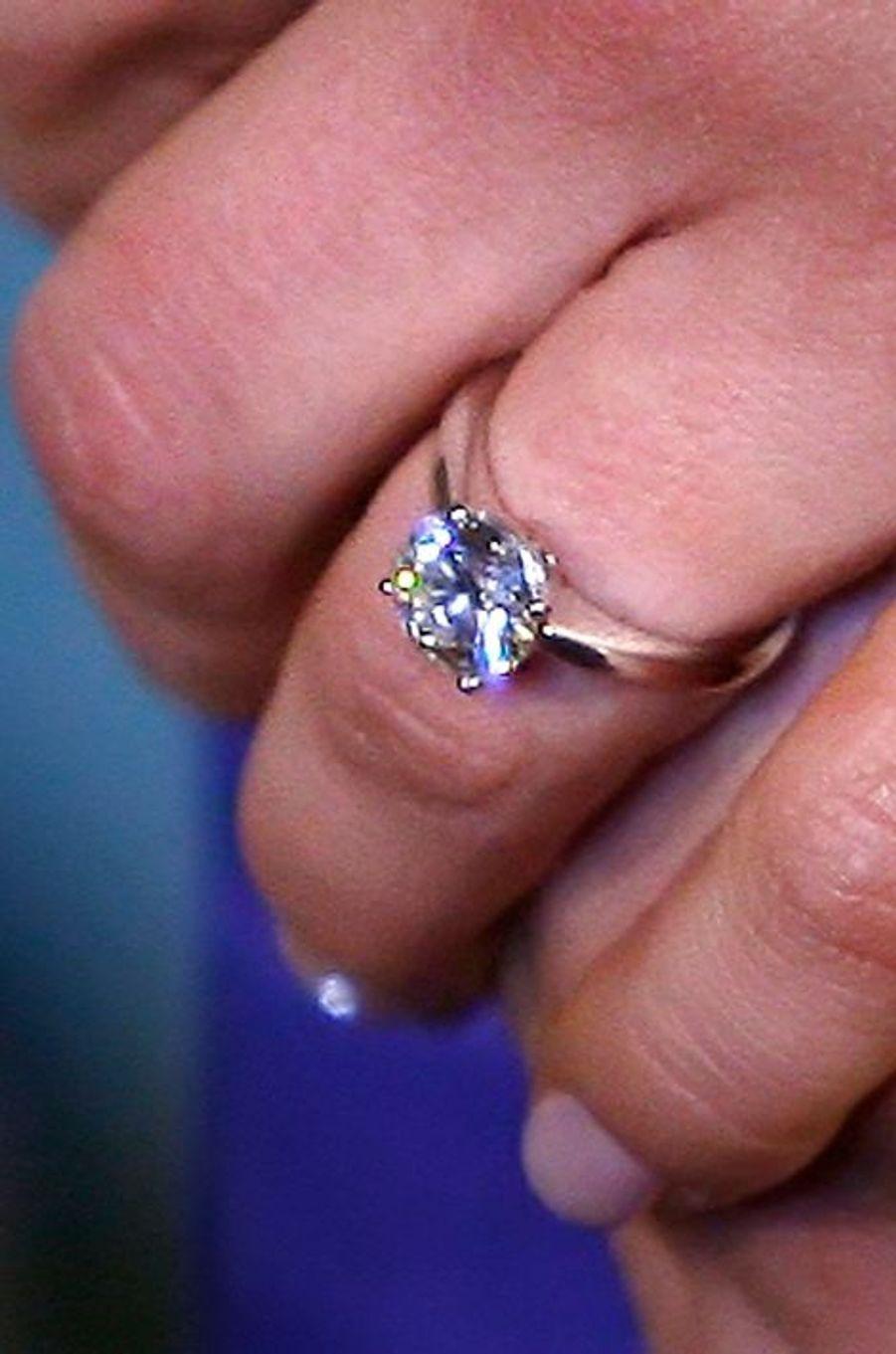 La bague de fiançailles de la princesse Victoria de Suède, le 24 février 2009