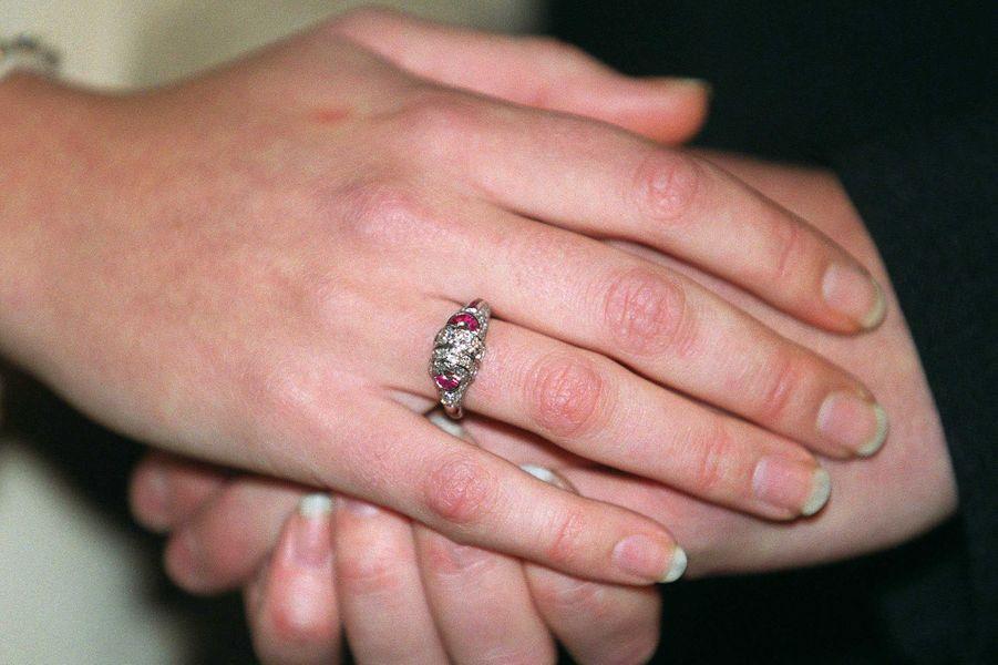 La bague de fiançailles de Mette-Marit Tjessem Hoiby, le 1er décembre 2000