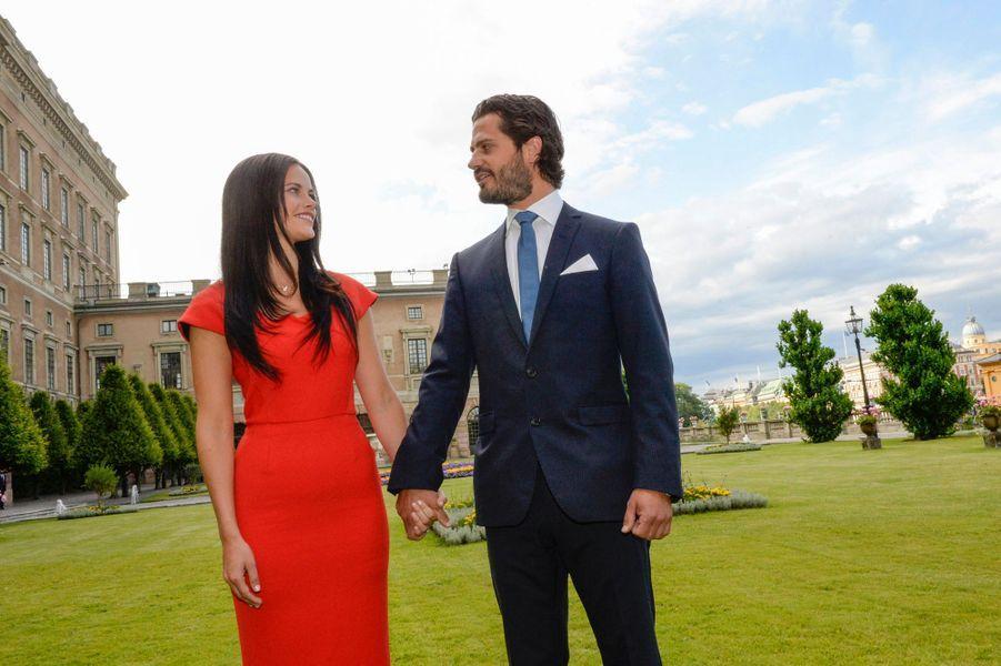 Le prince Carl Philip de Suède et Sofia Hellqvist, le 27 juin 2014