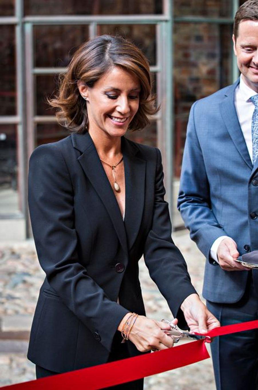 Ce jeudi 3 septembre, la princesse Marie de Danemark avait mission de couper un ruban dans le château de la ville portuaire de Kolding. Elle y a lancé une exposition consacrée au célèbre designer danois Georg Jensen.Chaque dimanche, le Royal Blog de Paris Match vous propose de voir ou revoir les plus belles photographies de la semaine royale.