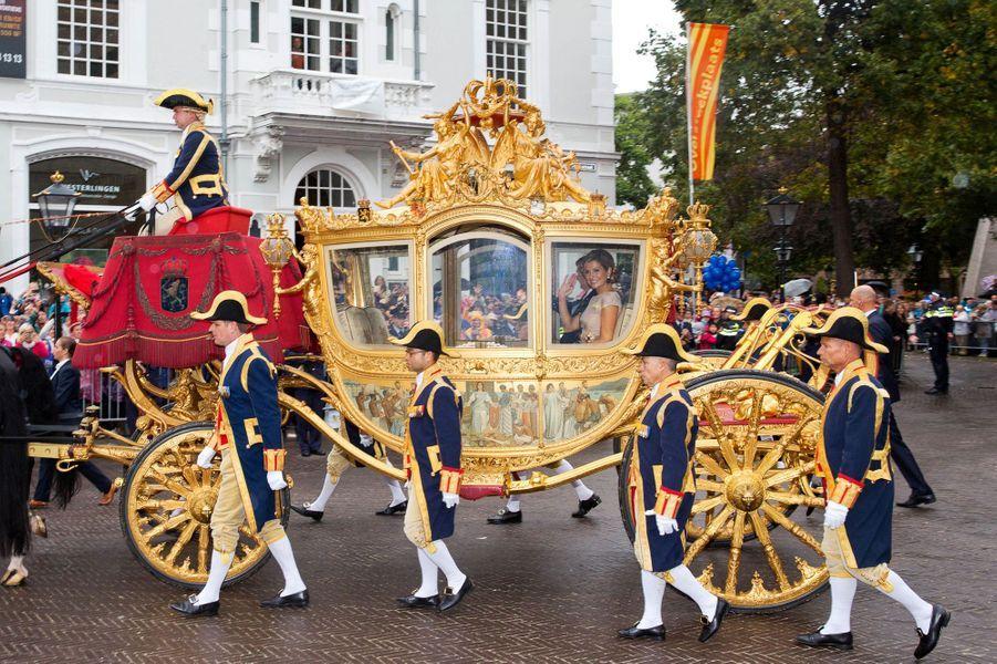 Comme le veut la tradition aux Pays-Bas, le troisième mardi de septembre est synonyme de Prinsjesdag, comprenez «Jour du prince». L'occasion pour le roi Willem-Alexander d'ouvrir l'année politique et pour son épouse Maxima de s'afficher plus royale que jamais ce 15 septembre.Chaque dimanche, le Royal Blog de Paris Match vous propose de voir ou revoir les plus belles photographies de la semaine royale.
