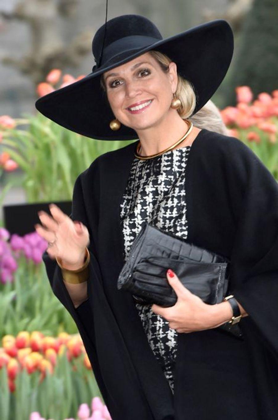 Comme pour la reine Letizia d'Espagne, ce mercredi 6 janvier a signé la rentrée 2016 pour la reine Maxima des Pays-Bas, après sa trêve des vacances de Noël. Une rentrée des plus fleuries puisqu'elle s'est rendue au parc printanier Keukenhof à Lisse.Chaque dimanche, le Royal Blog de Paris Match vous propose de voir ou revoir les plus belles photographies de la semaine royale.