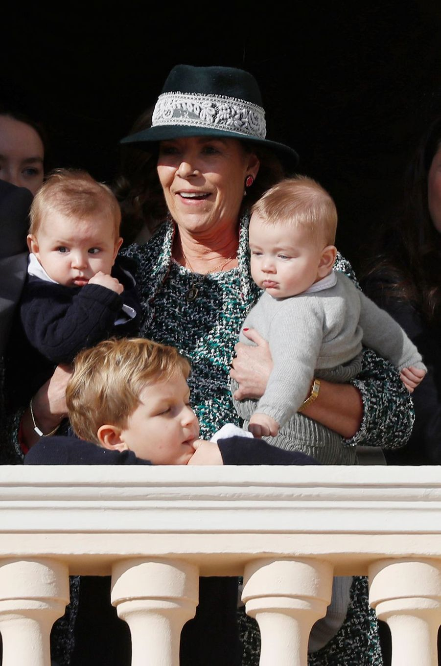 La princesse Caroline de Monaco avec ses deux petits-fils Maximilian Rainier et Francesco Casiraghi, le 19 novembre 2018