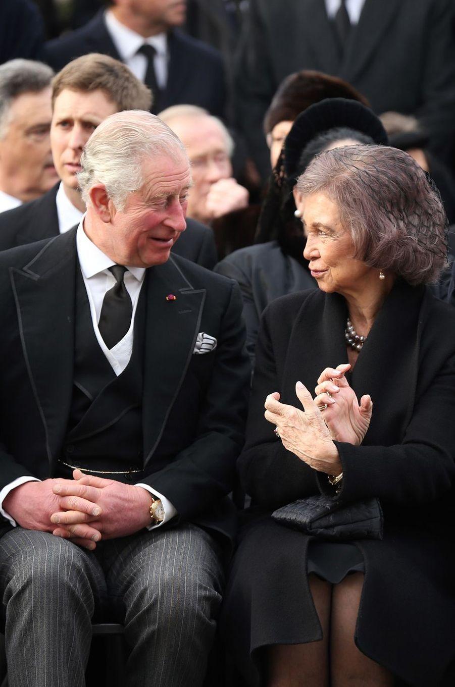 Le prince Charles d'Angleterre et l'ex-reine Sofia d'Espagne aux obsèques de l'ex-roi Michel de Roumanie à Bucarest, le 16 décembre 2017