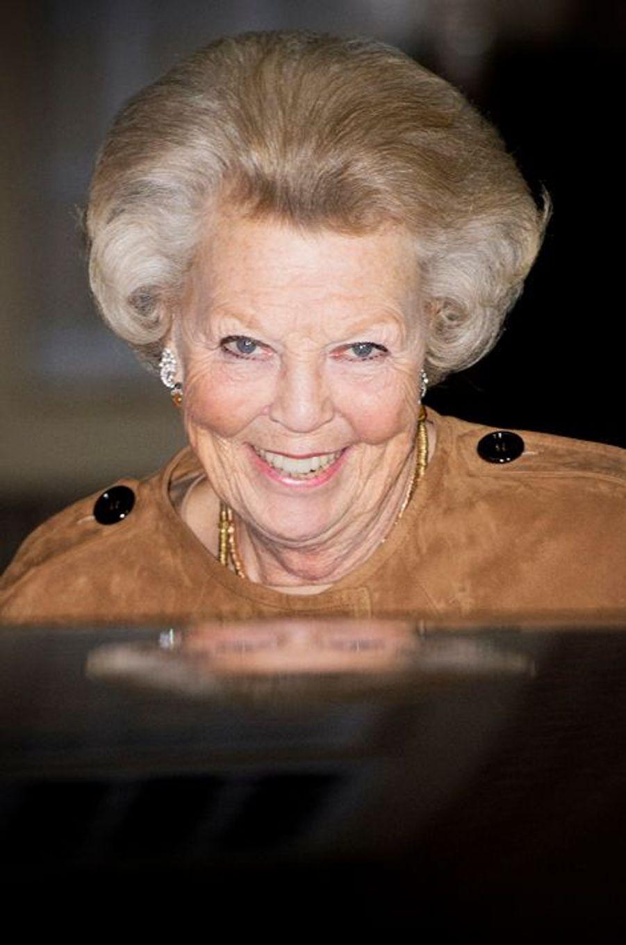 La princesse Beatrix des Pays-Bas à Apeldoorn, le 9 novembre 2014