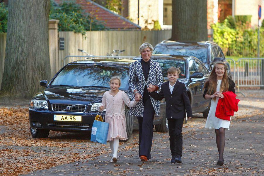 La princesse Laurentien et ses enfants à Apeldoorn, le 9 novembre 2014
