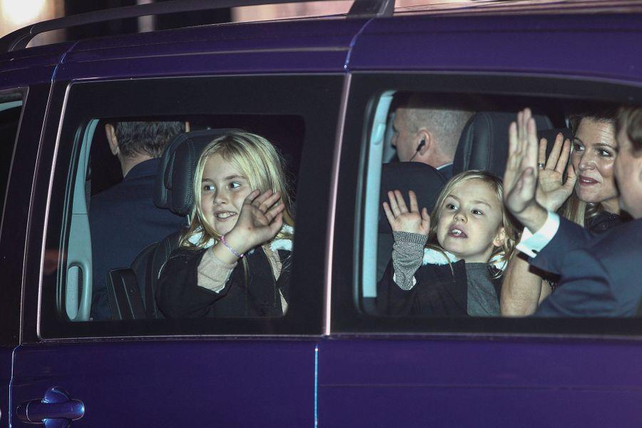 La reine Maxima des Pays-Bas et les princesses Catharina-Amalia, Alexia et Ariane à Apeldoorn le 9 novembre 2014