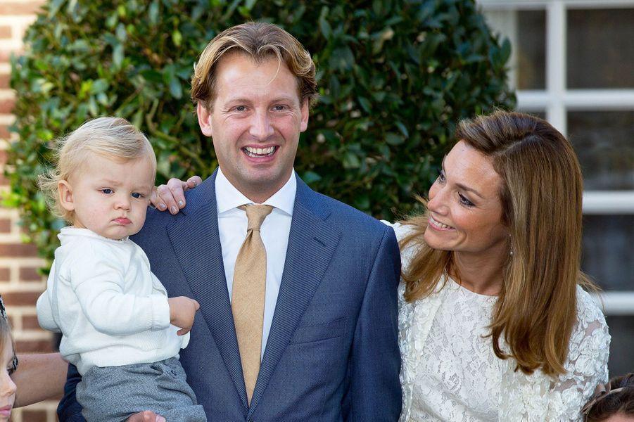 Le prince Floris, la princesse Aimée et leur fils Willem Jan à Apeldoorn, le 9 novembre 2014